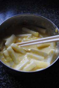 三门青蟹炒年糕的做法步骤:6